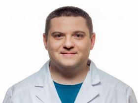 Директор Руслан Юрійович